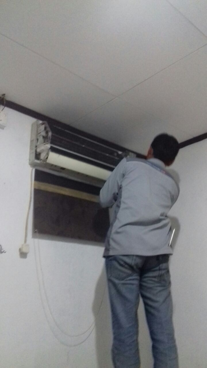 Maintenance Air Conditioning - Customer Ibu Puput